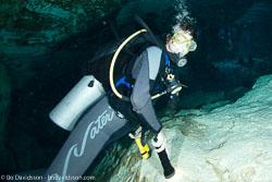 BD-101209-Cenotes-2928-Homo-sapiens.-Linnaeus.-1758-[Diver].jpg